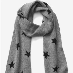 NWOT Gap Cozy Star Scarf